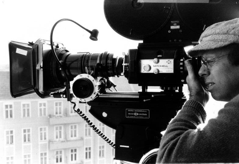 Ein-Blick - Der Kameramann Carlos Bustamente bei der Arbeit -  Foto: Gerd Conradt 1986